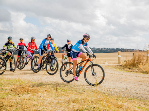 Quedada Women In Bike vuelta Izarra